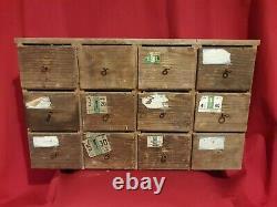 Ancien Meuble à tiroirs en sapin fin XIX ème s, meuble de métier, quincallier
