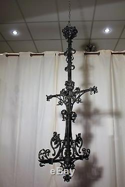 Ancien et grand lustre néogothique en bronze époque Napoléon III XIX ème siècle