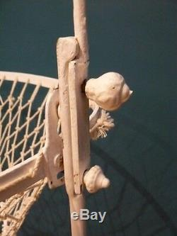 Bercelonnette XIXe berceau en fer forgé / lit de bébé / 106 cm x 61 cm x 178 cm