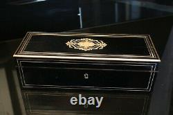 Boite à gants filet de laiton marqueté sur fond laqué noir XIXe Napoléon III AF