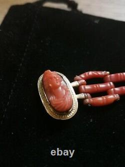 Bracelet or jaune 18k, Manchette Corail rouge, Orné d'un Camée XIXe Napoléon III