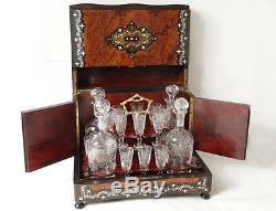 Cave à liqueur loupe amboine marqueterie nacre carafes Baccarat NapIII XIXè