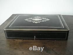 Coffret boîte à jeu Napoléon III XIX IP ébène marqueterie nacre laiton jeton os