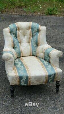 Confortable Fauteuil Capitonné Napoléon III, époque XIX ème