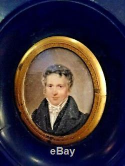 JOLIE PETITE MINIATURE XIX° PORTRAIT DE JEUNE HOMME 9 cm avec cadre