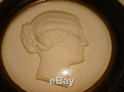 Médaillon ancien de l'Impératrice Eugenie. Par A. Barre. XIX°. Napoléon III