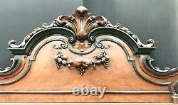 Meuble crédence napoléon III en noyer, trois portes trois tiroirs. XIX siècle