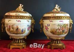 Paire De Grands Vase Avec Couvercle. Napoleon Iii. Meissen . Allemagne. XIX