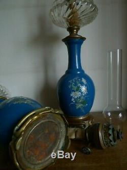 Paire De Lampes A Petrole Porcelaine Cristal Bronze Bec Matador XIX Siecle