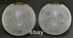 Paire de globes gravé à l'acide pour lampe huile / pétrole XIXe Napoléon III
