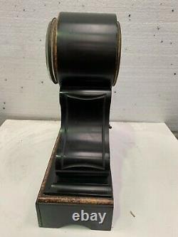 Pendule Napoléon III en marbre noir Balancier au mercure XIX siècle