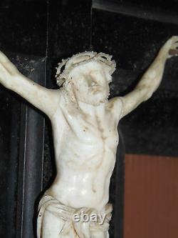 SUPERBE CHRIST XIXe époque NAPOLEON III sur CROIX Bois Noirci jus de trouvailles