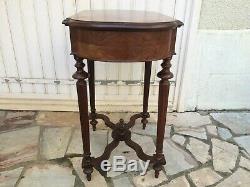 Table travailleuse Napoléon III palissandre et loupe de tuya Epoque XIX°