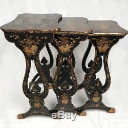 Tables gigognes bois noirci décor or. XIXe