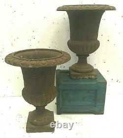 Vases Médicis en fonte Patine ancienne XIX siècle