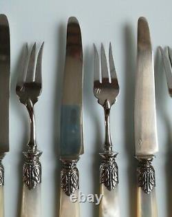 XIX° 12 couteaux et 12 fourchettes à dessert nacre lame ARGENT Poinçon Minerve